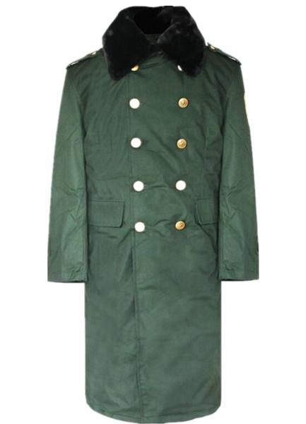 橄榄绿大衣